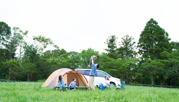 キャンプもできる牧場「千葉ウシノヒロバ」は牧草地でのデイキャンプ/バーベキューなども提供