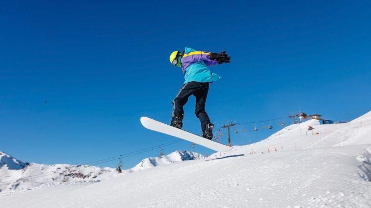 初心者にも扱いやすい人気のスノーボードブランド!板&ブーツ・ビンディング編