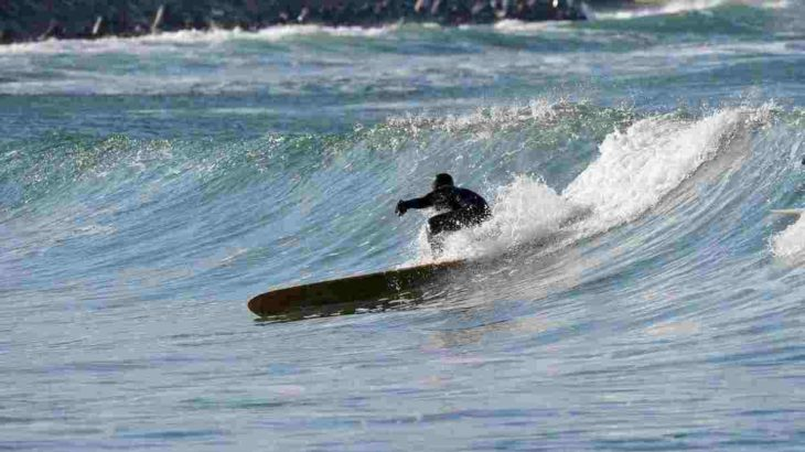 【中級編】サーフィンのカッコいい技を決めたい!おすすめ練習方法