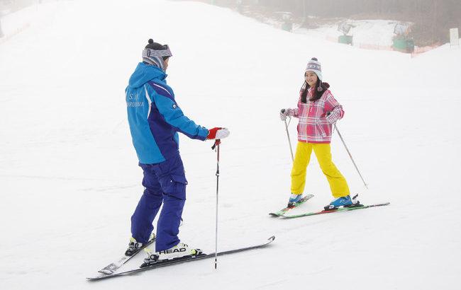 軽井沢プリンスホテルスキー場、「はじめてスキー&ひさびさスキー」を応援する3つの新たなスキープログラムを開催