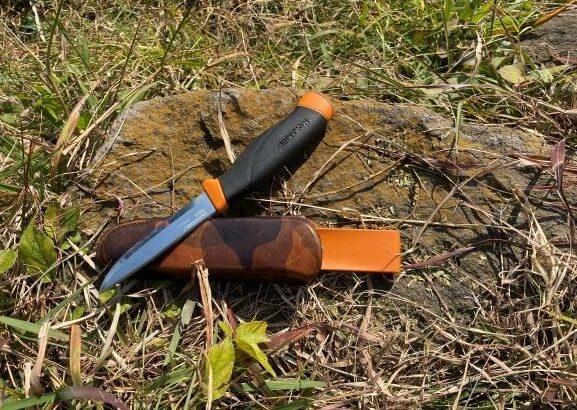 栃木レザー使用ナイフジャケットはモーラナイフコンパニオン専用!アウトドア好きな人へ!