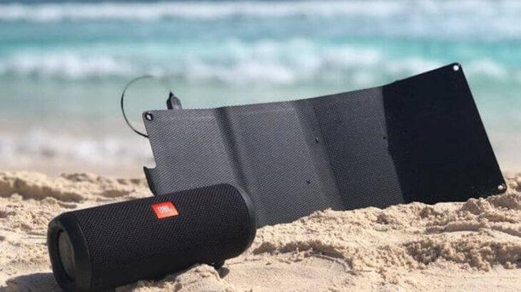 次世代ソーラー充電器の「Solar7」は高性能・高耐久・軽量ポケットサイズで様々なシーンで活躍