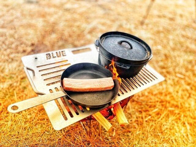 宙に浮くプレート「Blue Eight 2Poll Plate」