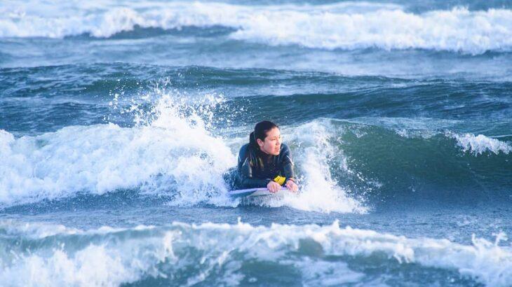 初めてのボディボードのやり方とは?超初心者が波に乗るための練習方法とは?