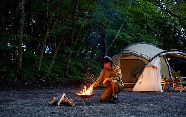 火の粉を気にせず 焚火に没頭『マーモット』から難燃素材のキャンプウェアが初登場
