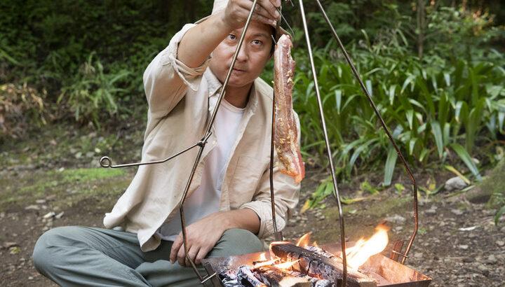 『ベアーズ島田キャンプのゼロからはじめる焚き火料理』スキレット、ダッチオーブン、網、ホットサンドメーカーと調理ギア別に最高にうまい料理を提案